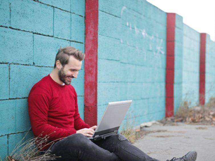 Pustaki ogrodzeniowe – co warto o nich wiedzieć?